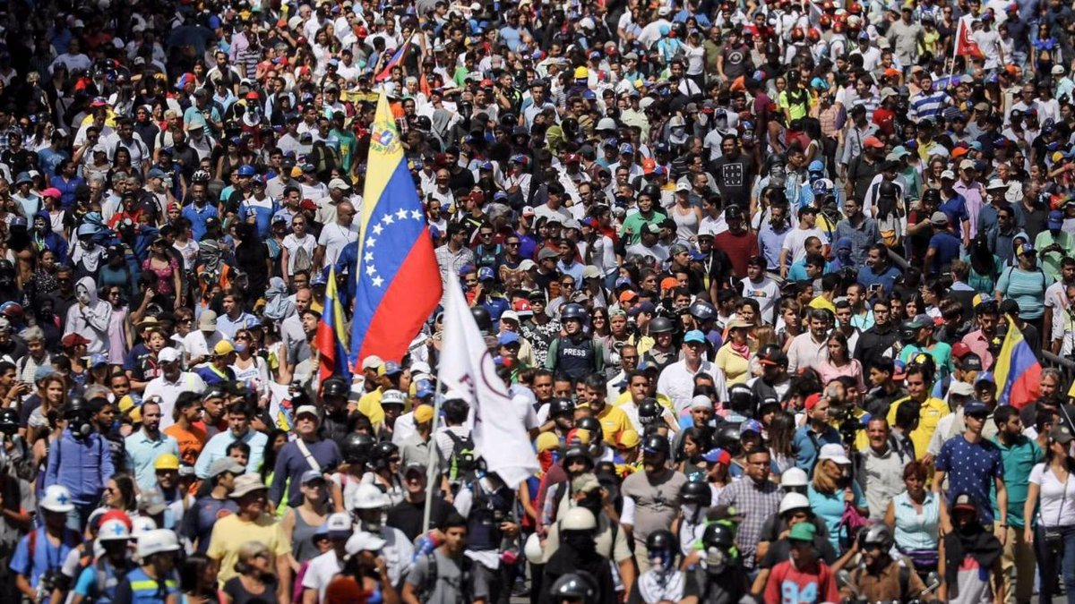 Venezuela, 12enne ucciso nel corso di manifestazioni in Bolivar #venezuela https://t.co/SCG4USLpB5