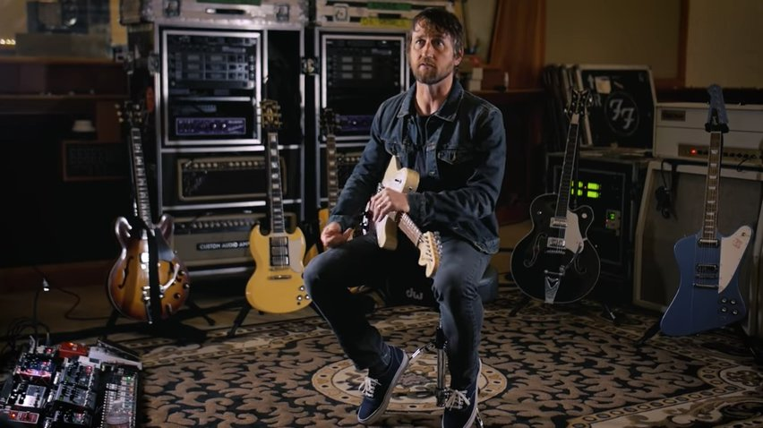 Watch the Foo Fighters' Chris Shiflett discuss his for-sale guitar collection https://t.co/20LNARYjYy