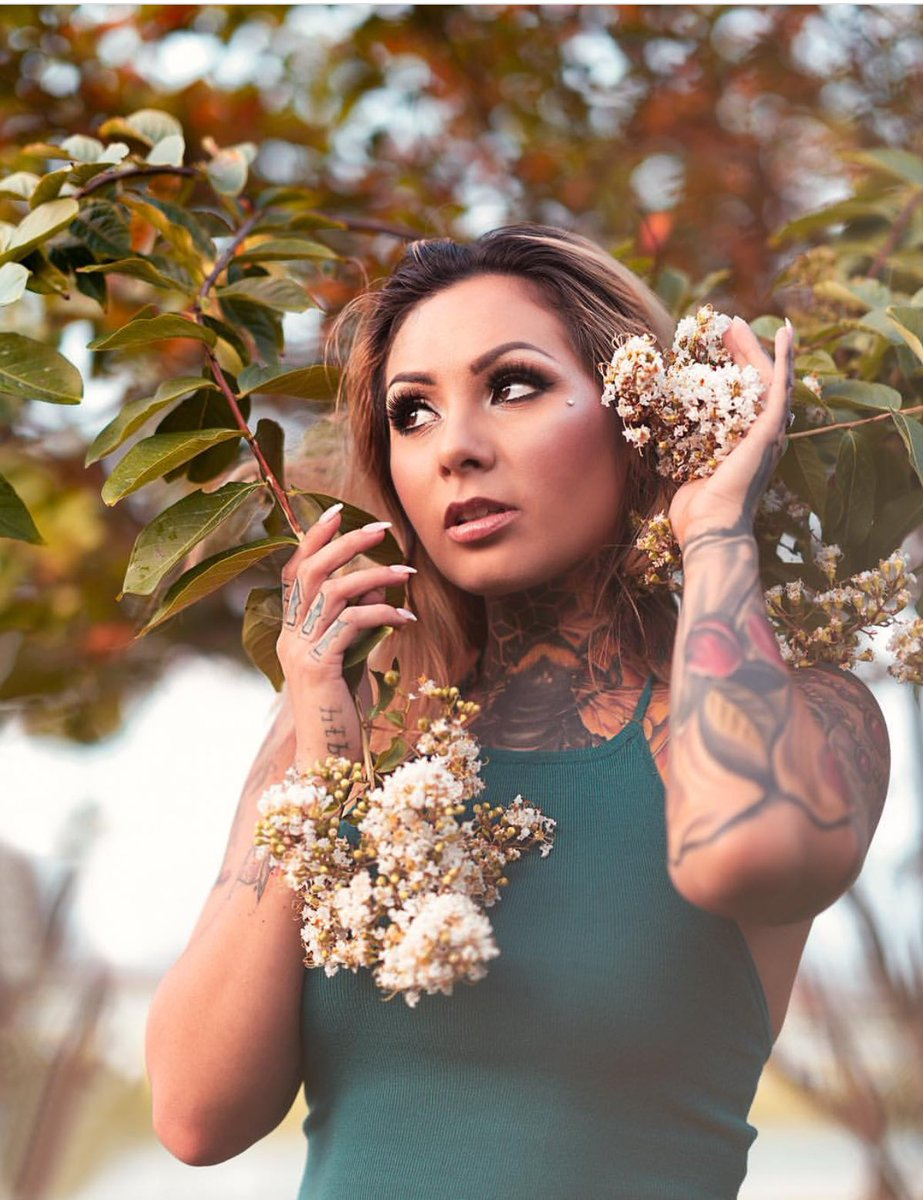 A B-b-i  - It's me with inked nature photography twitter @AbbiRoads