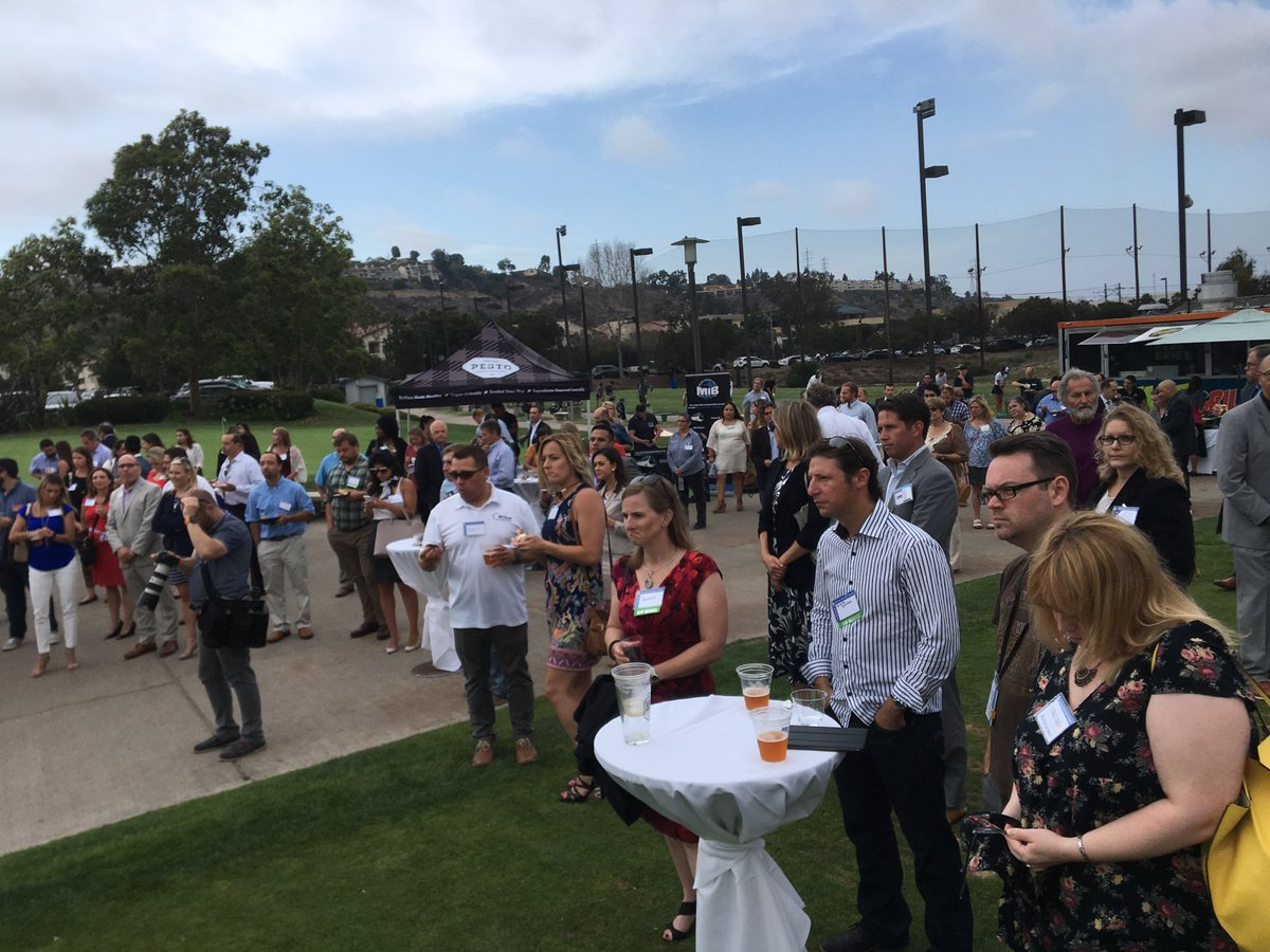 Thanks to @RiverwalkGolf for hosting tonight's Business After Fiver mixer, which included @LEADSanDiego's Young Leaders group. Beautiful, relaxing space to make new connections.