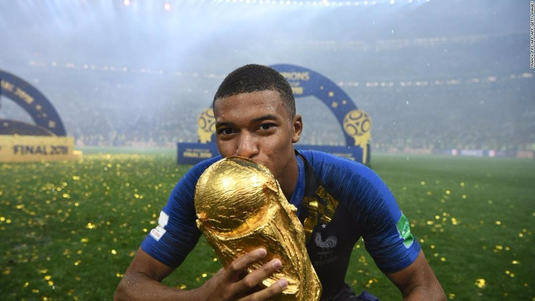 France's Kylian Mbappe is donating his #WorldCup winnings to a Paris charity https://t.co/qd1YKcnfpe https://t.co/L5tDDeQsUT