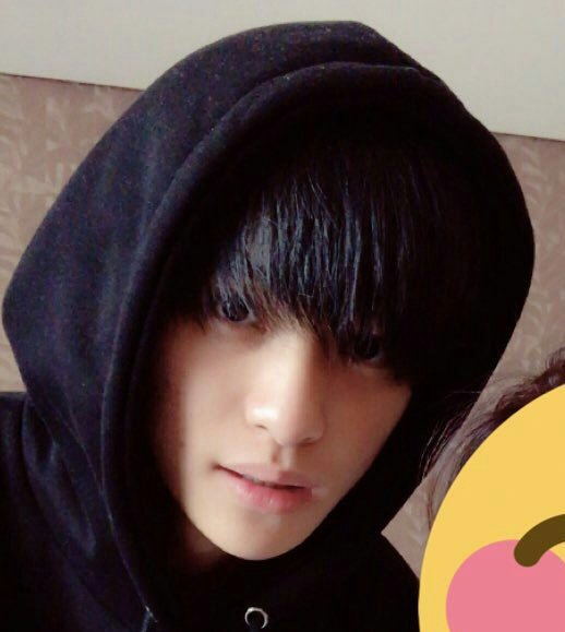 Yangyang Pics Smrookies On Twitter According Yang Yang S Old Friend He Is Actually Born In Taiwan And Went To Germany To Study These Are Some Pre Debut Pics From His Ig Account