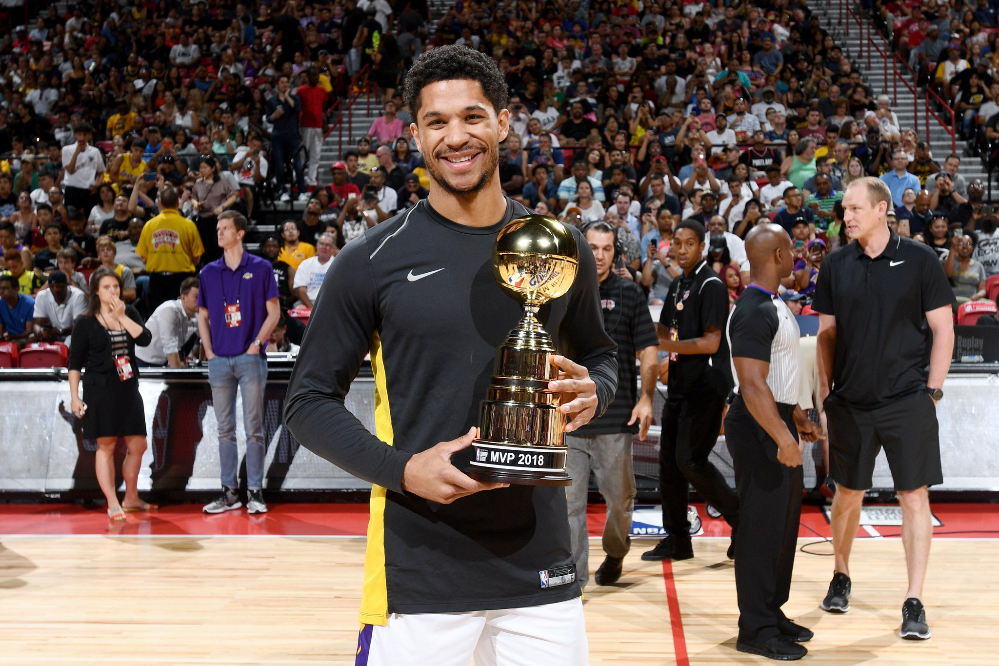 National champion with @NovaMBB ✔️ @NBASummerLeague MVP with the @Lakers ✔️  @joshhart ➡️ #ThisIsWhyWePlay https://t.co/tPWXUC49rD