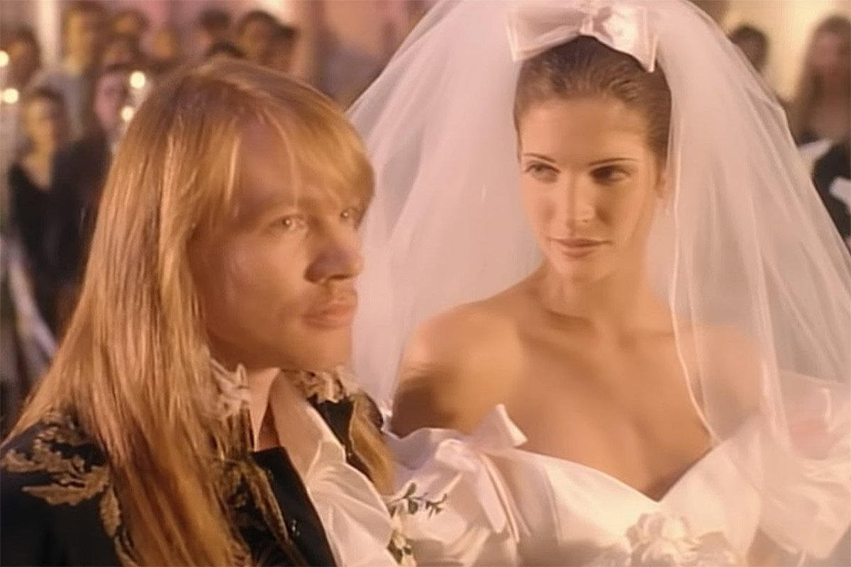who is the girl in november rain video