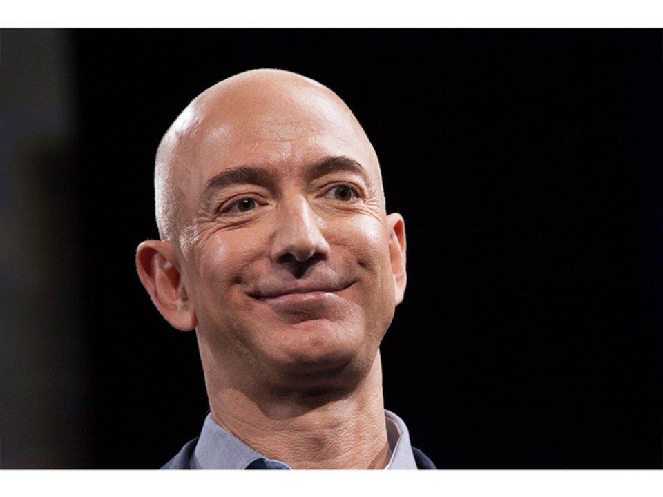 資産17兆5000億円! Amazonのジェフ・ベゾスCEO、これまでの記録を更新する世界一のお金持ちに #Amazon #人物 https://t.co/hRvZq3zc2E