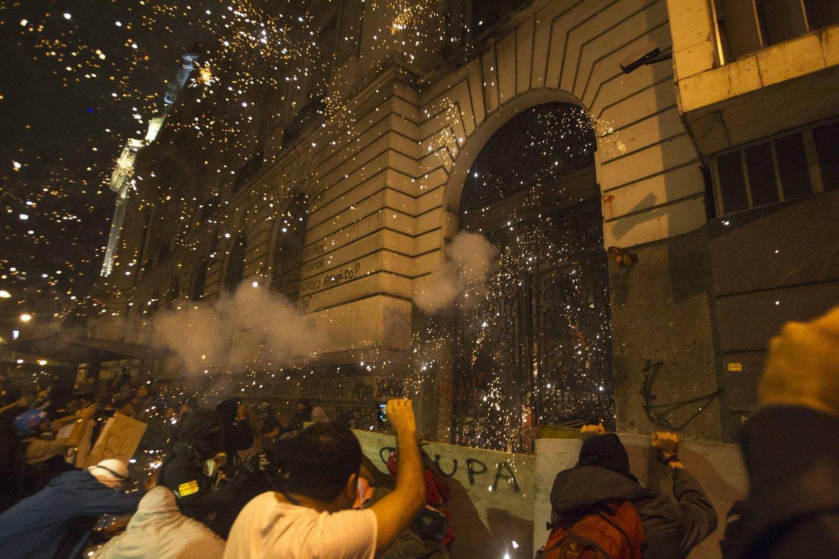 Atos contra realização da Copa | Juiz condena jovens que lideraram protestos no Rio em 2013 e em 2014 https://t.co/75ODZgFsEn