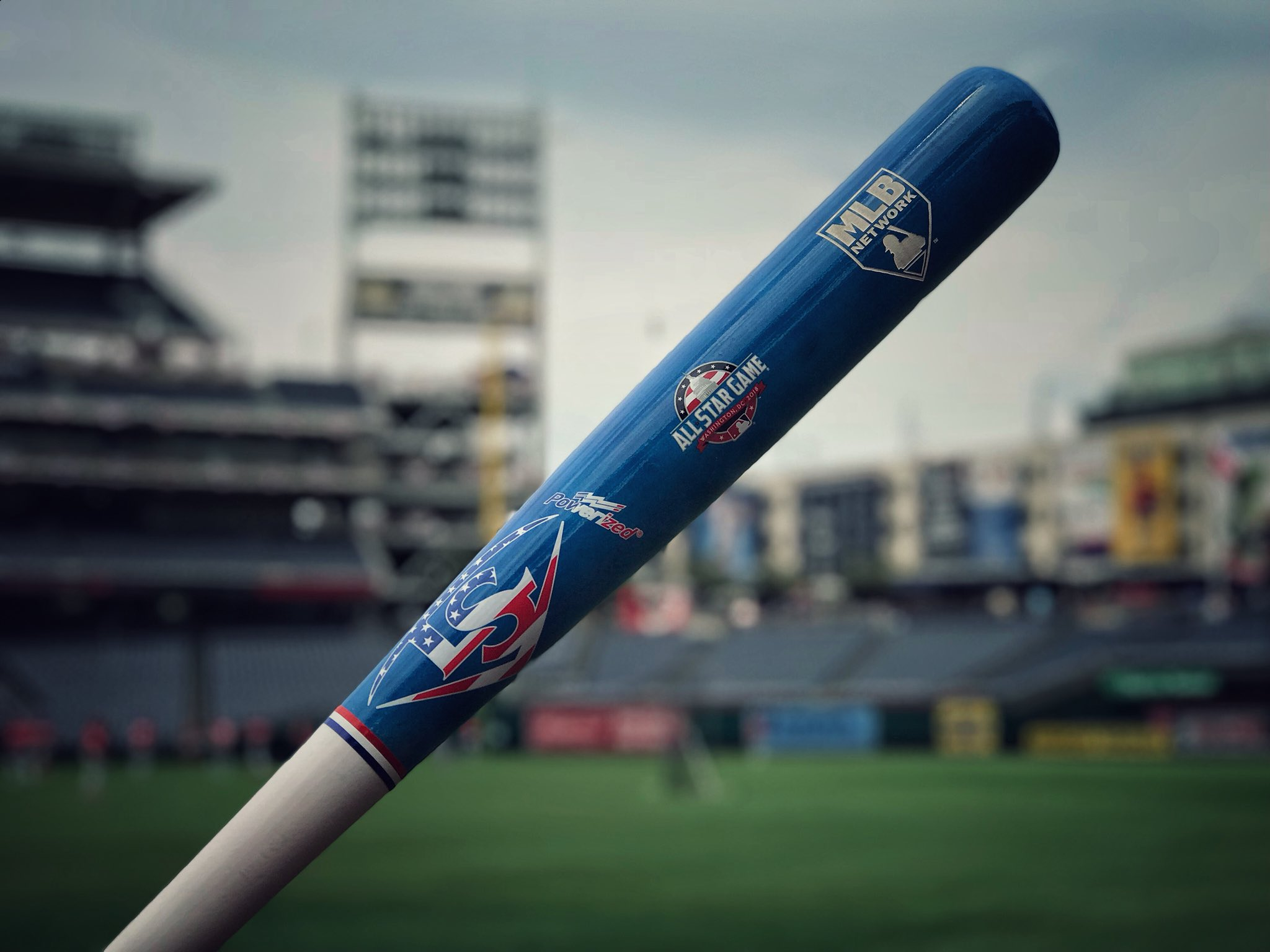 RETWEET for a chance at a @sluggernation #AllStarGame bat and tune in to the #MLBTonight postgame show now! https://t.co/JB2SyU3wXG