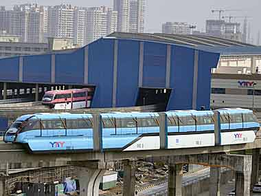 India's first monorail in Mumbai goes off track, idle for past one year  Read stories like this, and more, when you subscribe to Business Standard Premium, and get complimentary access to The Wall Street Journal online  https://t.co/nTXWENGi4p