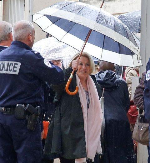 Prison avec sursis et dix ans d�in�ligibilit� pour Maryse Joissains, maire d'Aix-en-Provence   https://t.co/Whq767so2O#Faitsdivers#Politique