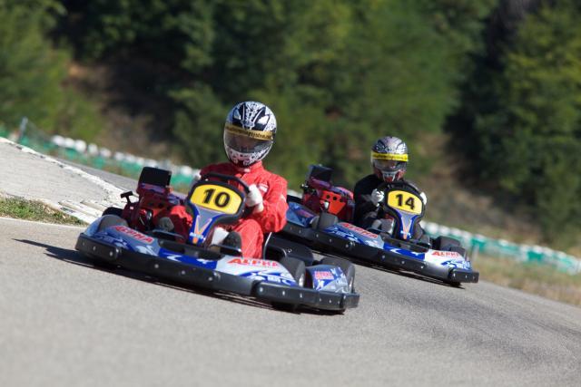 GRAND JEU DE L&#39;ÉTÉ Gagnez vos bons pour deux sessions au Pôle Mécanique Karting Alès Cévennes ! -  http://www. objectifgard.com/2018/07/10/gra nd-jeu-de-lete-gagnez-vos-bons-pour-deux-sessions-au-pole-mecanique-karting/ &nbsp; …  via @objectifgard #follow&amp;rt #FOLLOW #Follow #RT #Retweet <br>http://pic.twitter.com/D06mtsN33i