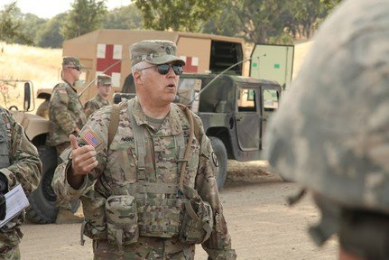 #USArmyReserve Master Sgt. Michael Montoya utilizes his decades of experience in combat arms to teach others how to defend themselves: https://t.co/nRgo5ztOTX