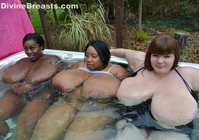 Hot Tub #bigboobs Lexxxi see more at https://t.co/C6DcOoXkZa https://t.co/zxsPPM9VBw