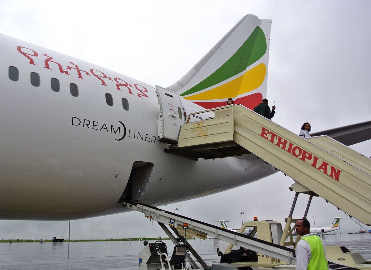 Ethiopia's national carrier is making its first regular passenger flight to neighboring Eritrea since a war two decades ago https://t.co/l94rzm0e3a