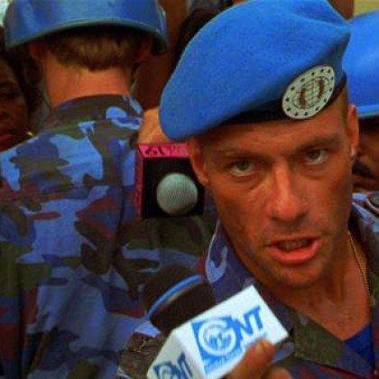 Jean-Claude Van Damme se ponía hasta arriba de cocaína durante el rodaje de 'Street Fighter' https://t.co/bsNfjCqoa1
