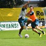 Image for the Tweet beginning: Die erste #Werder-Trainingseinheit läuft. Es