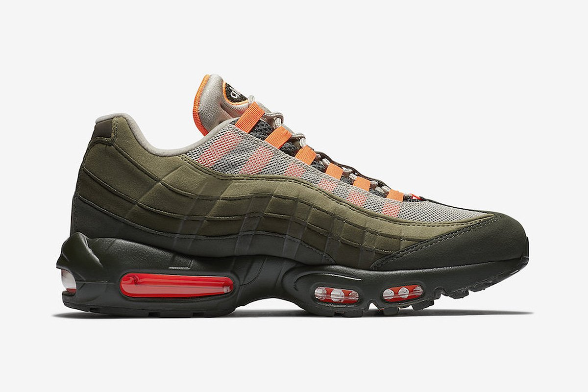 This general release Air Max 95, rumored to drop in August, sports a familiar iconic colorway:  https://t.co/f5eOOsRpyG
