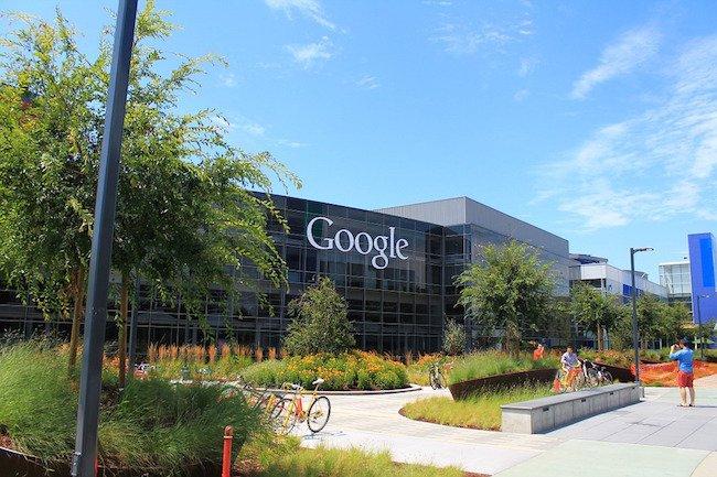 Bruxelles inflige une amende record de 5 milliards de dollars à #Google  #UE #Antitrust #Android https://t.co/sinrcCaEJ5