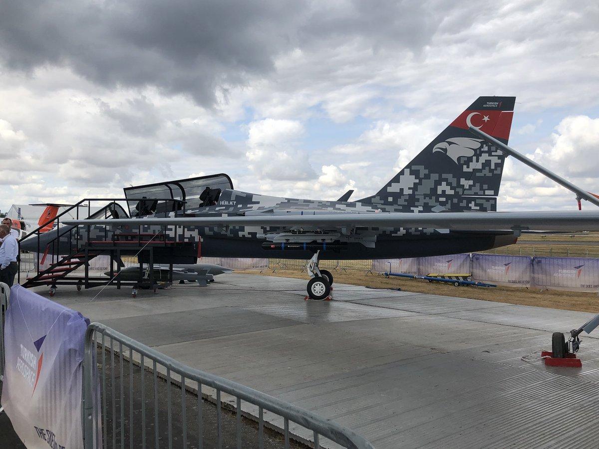 طائرة التدريب Hürjet التركيه الجديده تستعد للاشتراك في معرض Farnborough 2018 DiYUzLkWsAAv0V_