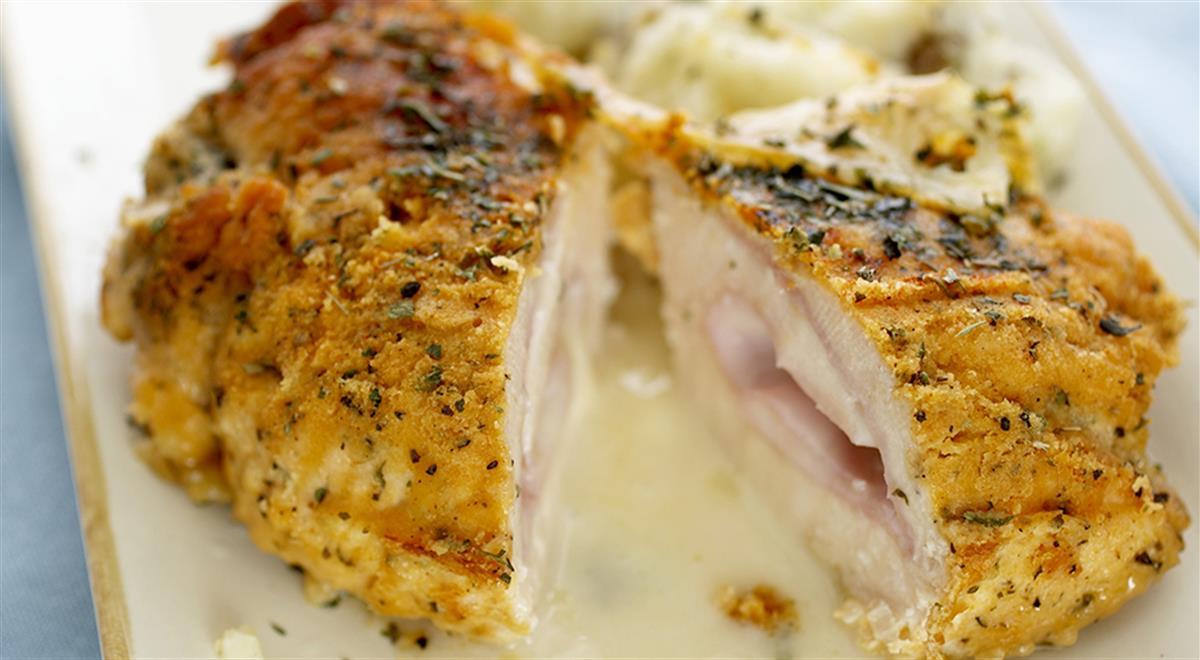 Chicken Cordon Bleu with Mashed Potatoes https://t.co/4UlM09vOak #yummy #food https://t.co/MHp553YRmL
