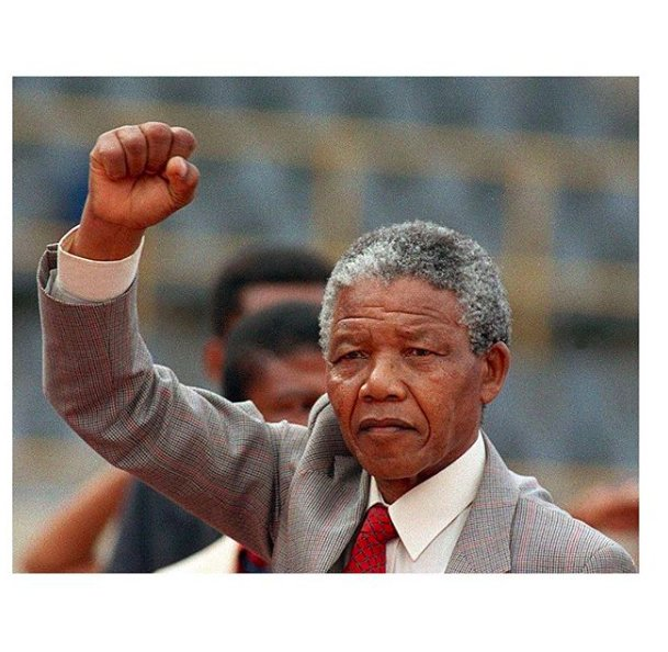 """It is easy to break down and destroy. The heroes are those who make peace and build."" - Nelson Mandela #Mandela100"