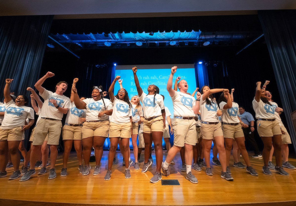 Welcome to the Carolina family, Orientation Session 14! #GoHeels #UNC22 https://t.co/NnTNjOGekQ