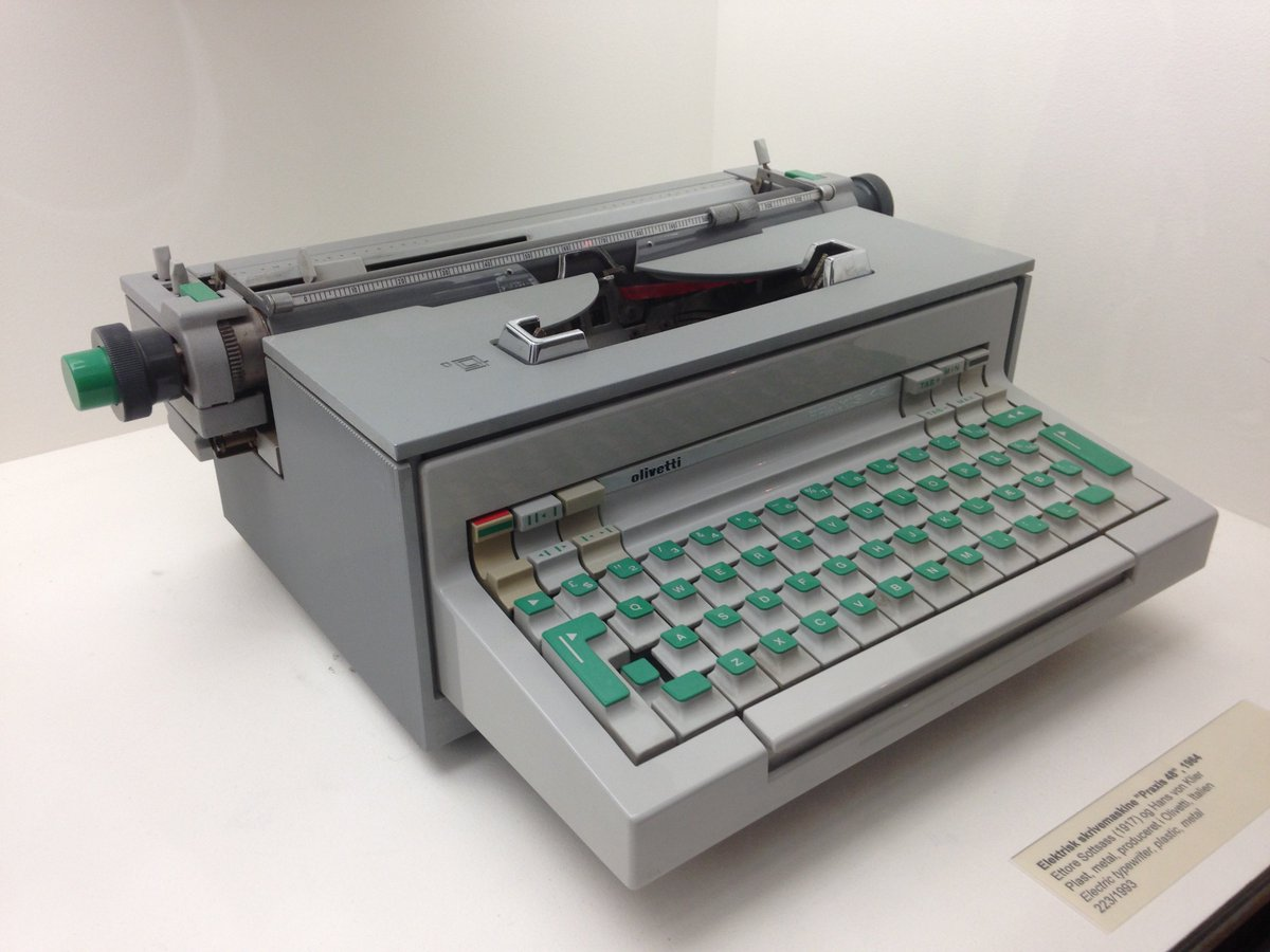 difference between typewriter and microsoft word