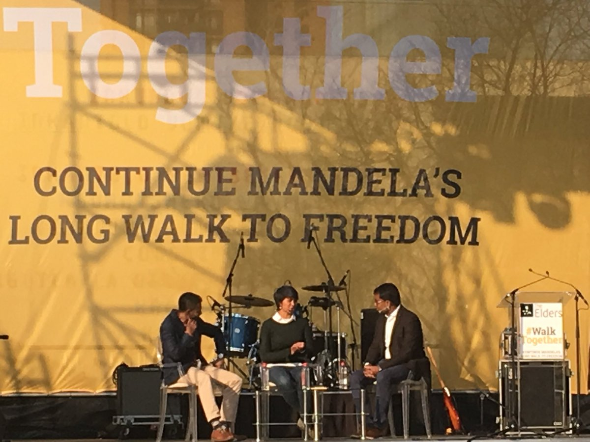 @civicusSG in conversation with two grassroots #FreedomFighters #justicedefenders at #MandelaDay #walktogegher #sparksofhope @vevek