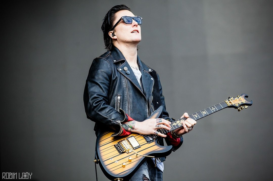 Synyster Gates (@synshining) | Twitter