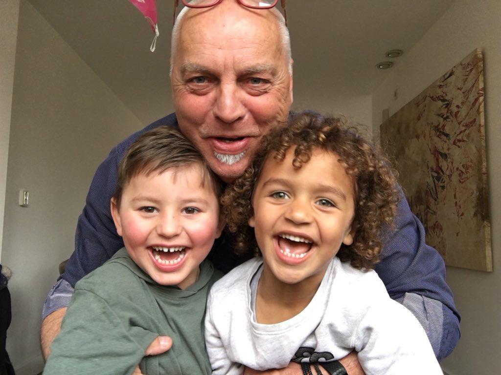 @HumbertoTan Ik ben zo gelukkig met mijn mix van kleinkinderen en zij ook met elkaar. F..k #Blok https://t.co/Q8h0P7Yb9i