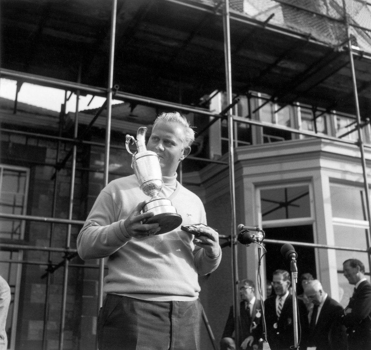 Jack Nicklaus' results at #TheOpen from 1963-1982: 3rd 2nd T12 1st 🏆 2nd T2 T6 1st 🏆 T5 2nd 4th 3rd T3 T2 2nd 1st 🏆 T2 T4  #LiveUnderPar