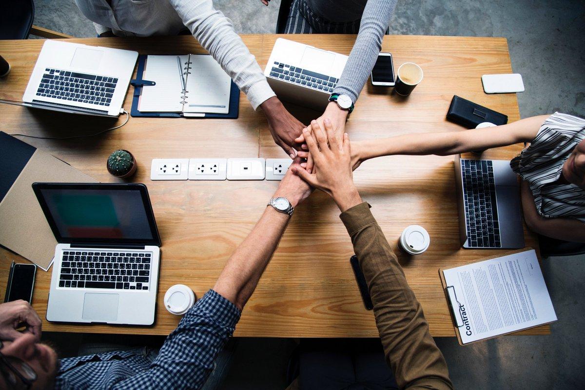 🌐  ¿Qué es el #Networking, para qué sirve y cómo puede ayudarte a potenciar tu marca personal?  via @marisolcomunic   https://t.co/Ev7mWSwfsq https://t.co/YY6r6lqZMS