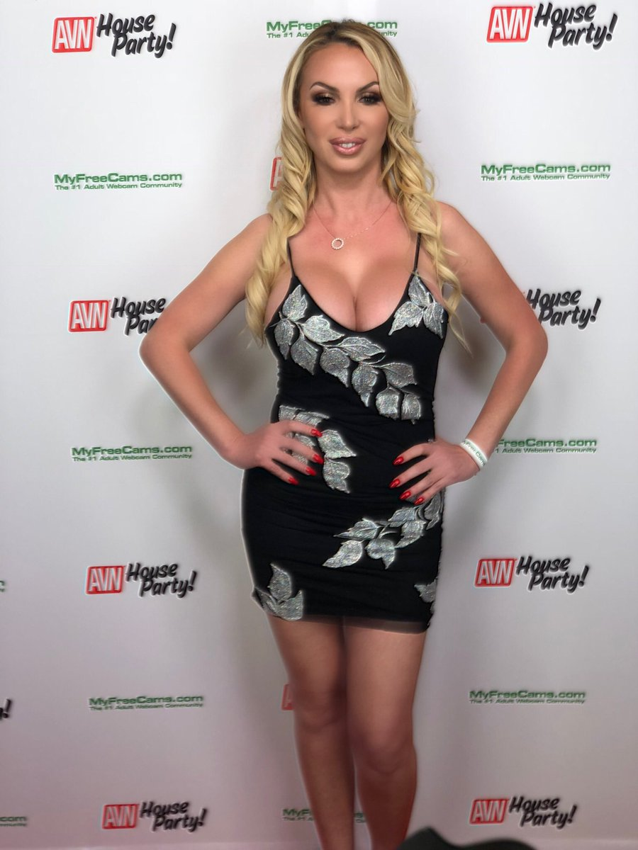 Discussion on this topic: Meg Gallagher, nikki-benz/