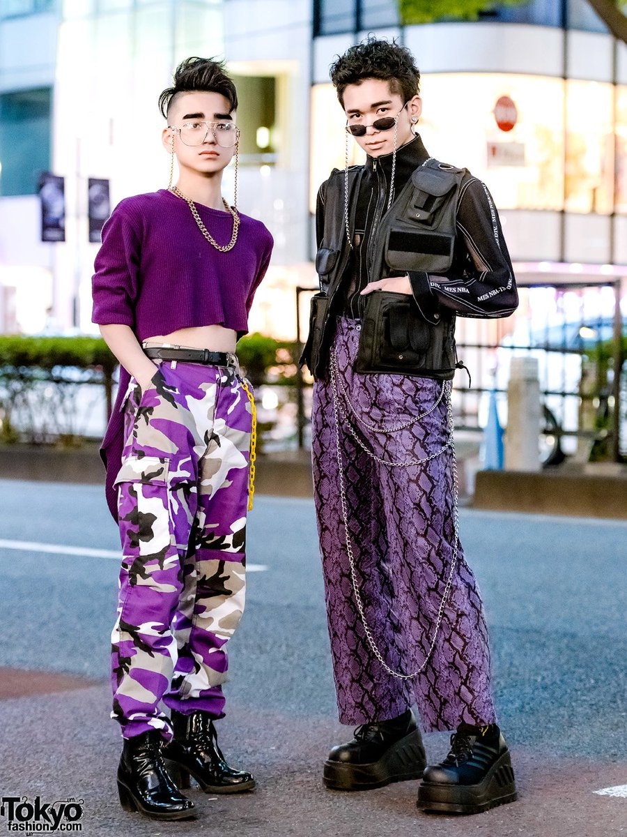 16-year-old Japanese students Billimayu & Eiji on the street in Harajuku wearing purple themed outfits w/ cropped top, Rothco camo, tactical vest, Never Mind the XU snakeskin pants, Demonia, Gallerie Tokyo & WEGO items  #原宿https://t.co/owhcEV3uhm