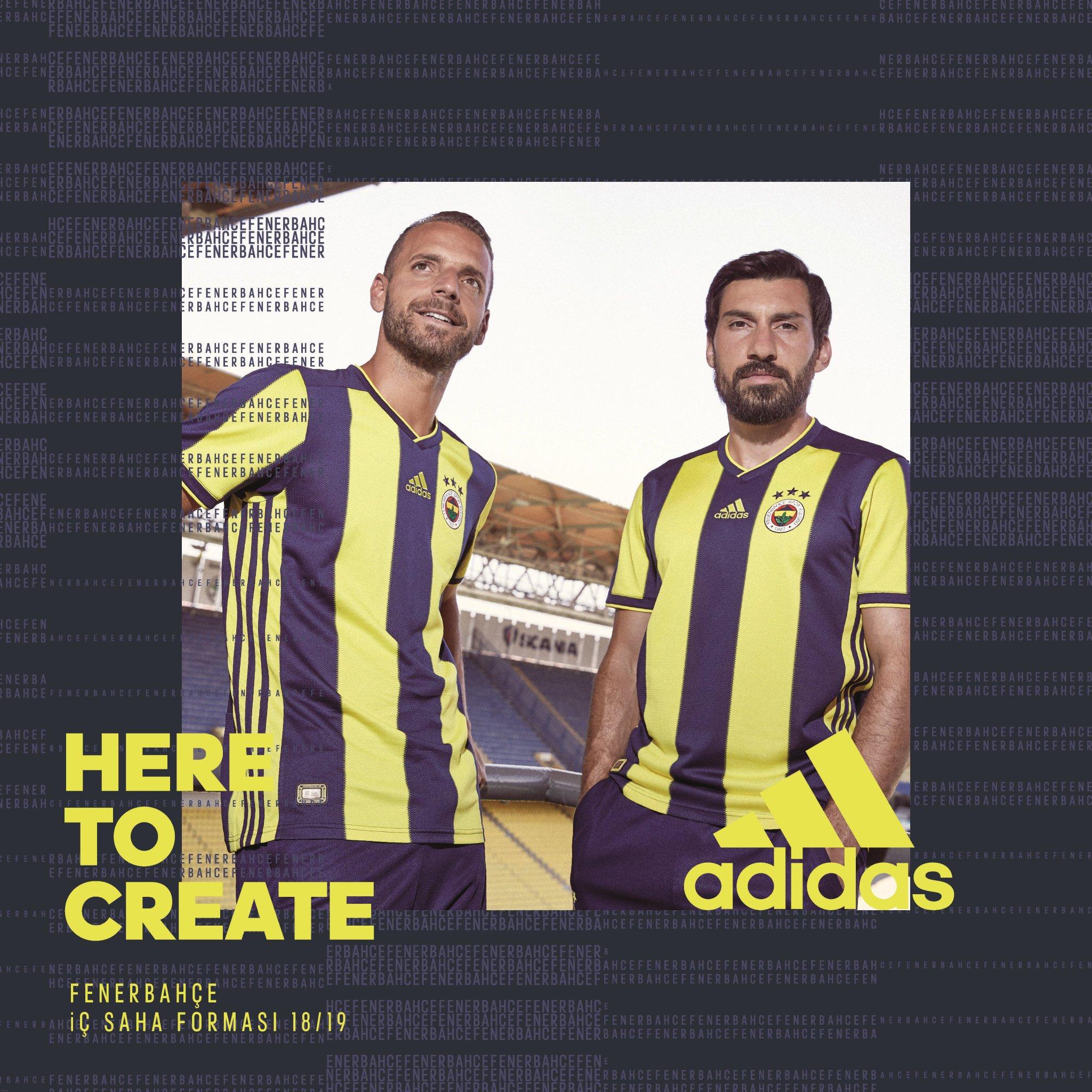 İşte Fenerbahçe'nin yeni sezon formaları https://t.co/0fbhYweIp4 https://t.co/9RLhyPNhVh