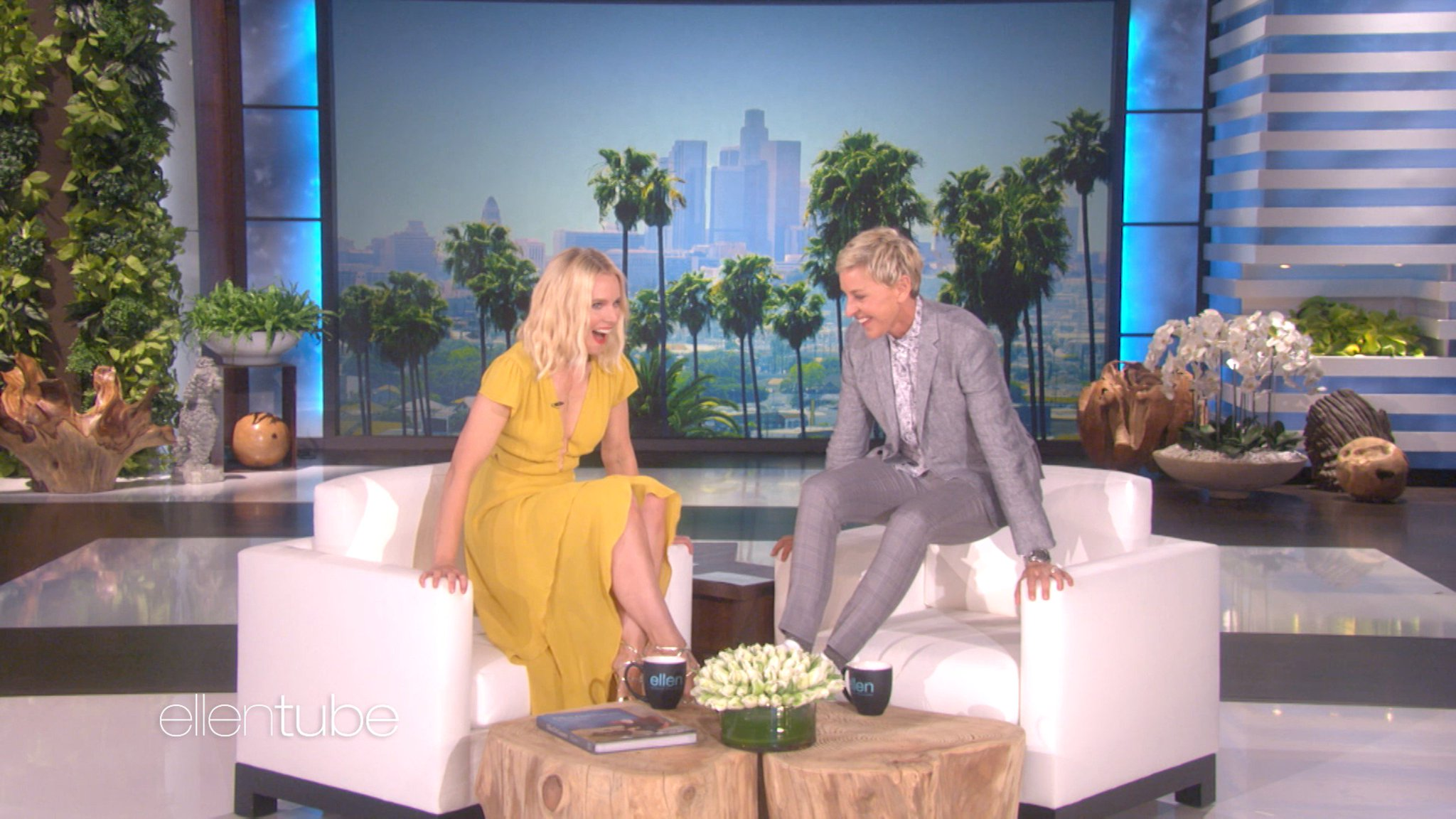 Happy birthday, @IMKristenBell! I love it every time you give me a ring. https://t.co/DZKqVQKhTh