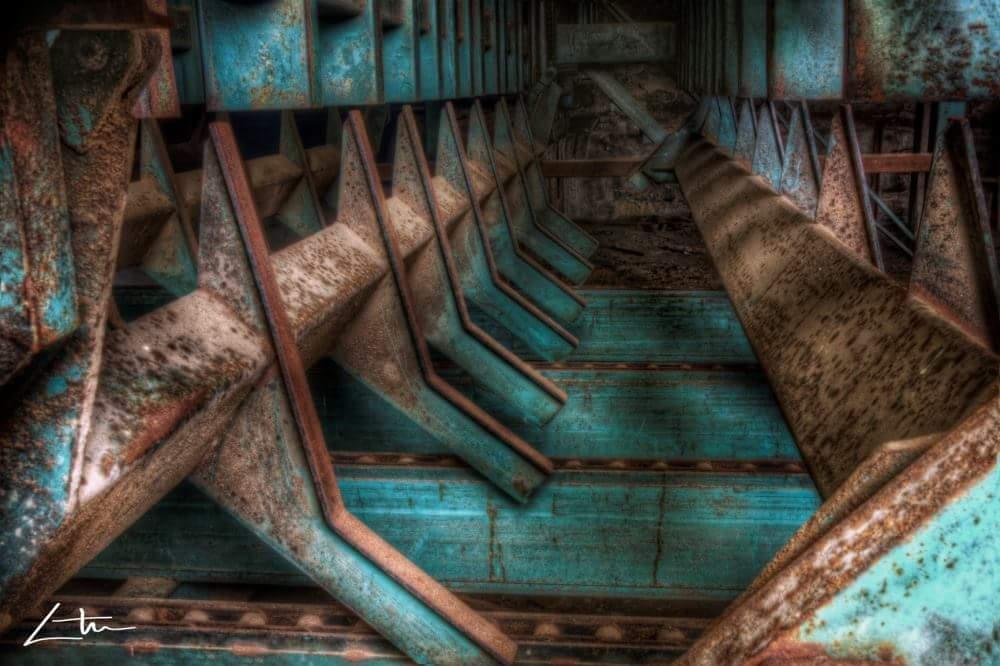 Urbex Industrial 2 #Fotografía Urbex Tamaño 30 x 40 cm. con passpartous y enmarcado en 40 x 50 cm. Papel mate. Serie limitada (12, numeradas y firmadas por el autor) Por Aitor Arana Arruti