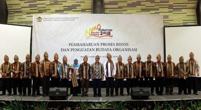 Gubernur Ridho Dorong Sinergi Pusat-Daerah dalam Kelola Aset https://t.co/f4Ic0pRaGb https://t.co/c9uztstTq6