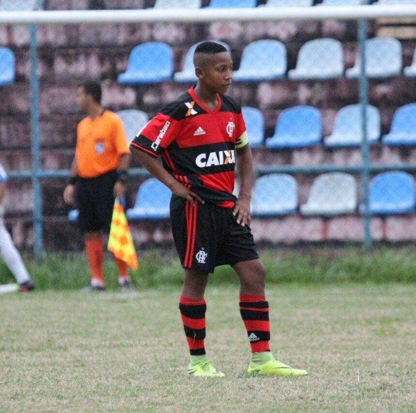 Nossa força e pensamento positivo para o garoto Isaque Souza, atualmente atleta do Vasco da Gama, que está internado no INCA para tratamento de câncer ósseo. Fé na luta, garoto!