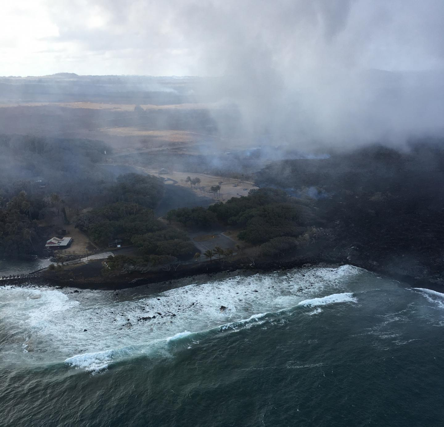 The lava from Hawaii's Kilauea volcano is closing in on a new piece of the island https://t.co/iBwHfxkHPa https://t.co/cmdT0WvQcw