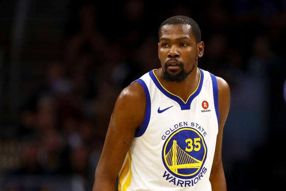 a8519ccd26af kevin durant surprises 80 high school kids with the trip of a lifetime