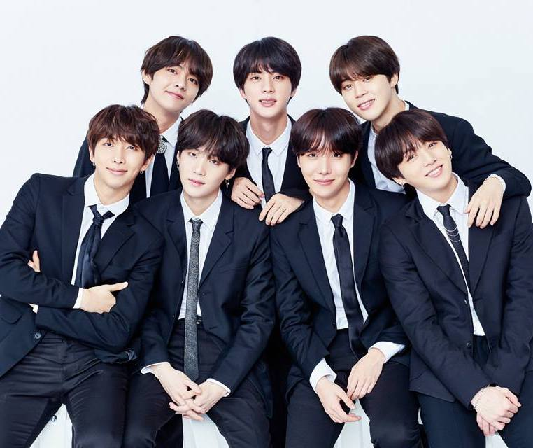 #BTS's Japanese album #FaceYourself is getting a physical release this Friday in the U.S.! @bts_bighit @BTS_twt