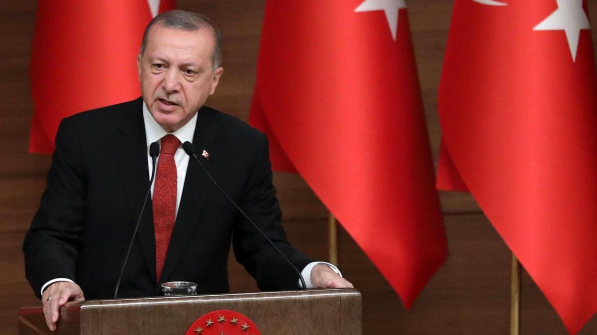 Erdogan-Kritiker vergleicht Türkei mit Deutschland 1933 https://t.co/BFOK2bTfzc