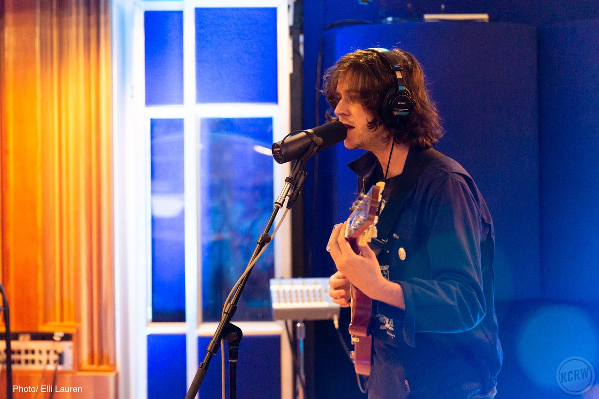 Fall in love with @sam3vian live on @mbekcrw! 💕Listen to the session: kcrw.co/2JyEoWe