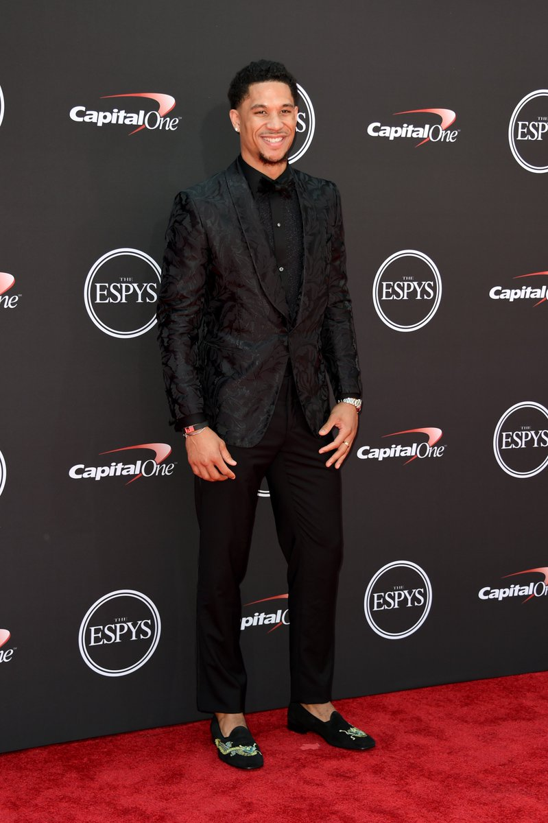 Fresh off his @NBA Summer League MVP @Lakers @joshhart is looking good on the @ESPYS red carpet across the street @MSTheater! #ESPYS