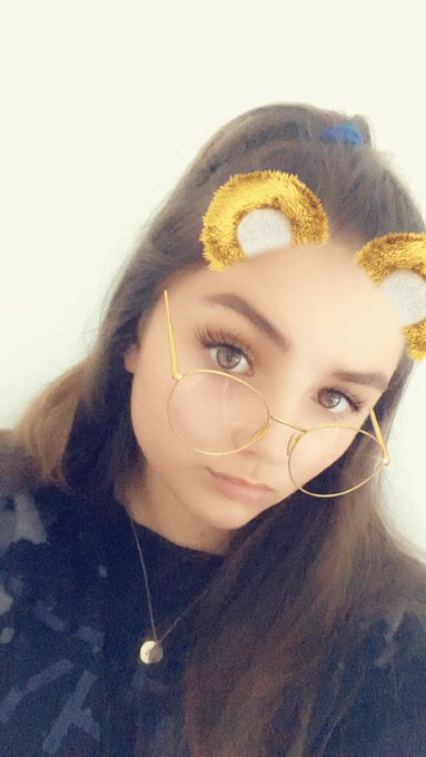 love some filters that make me feel less insecure #selfieforseb Photo