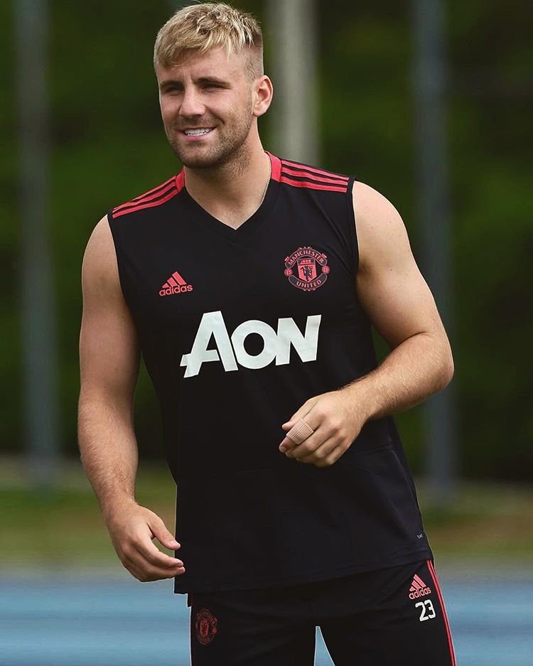 """Luke Shaw: """"I want to prove to the manager that I can be in his team. When everyone comes back, I still want to be the first name on the team-sheet. It's time for me to show him I can be in the team."""" #MUFC"""