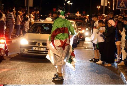 """Poitiers : tabassés pour avoir répondu """"vive la France"""" à ceux qui disaient """"vive l'Algérie"""" >> https://t.co/4AHnsWWShQ"""