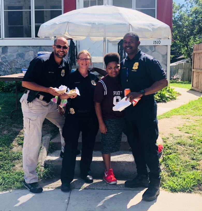 City rallies behind 13-year-old entrepreneur after a racist moron calls the cops