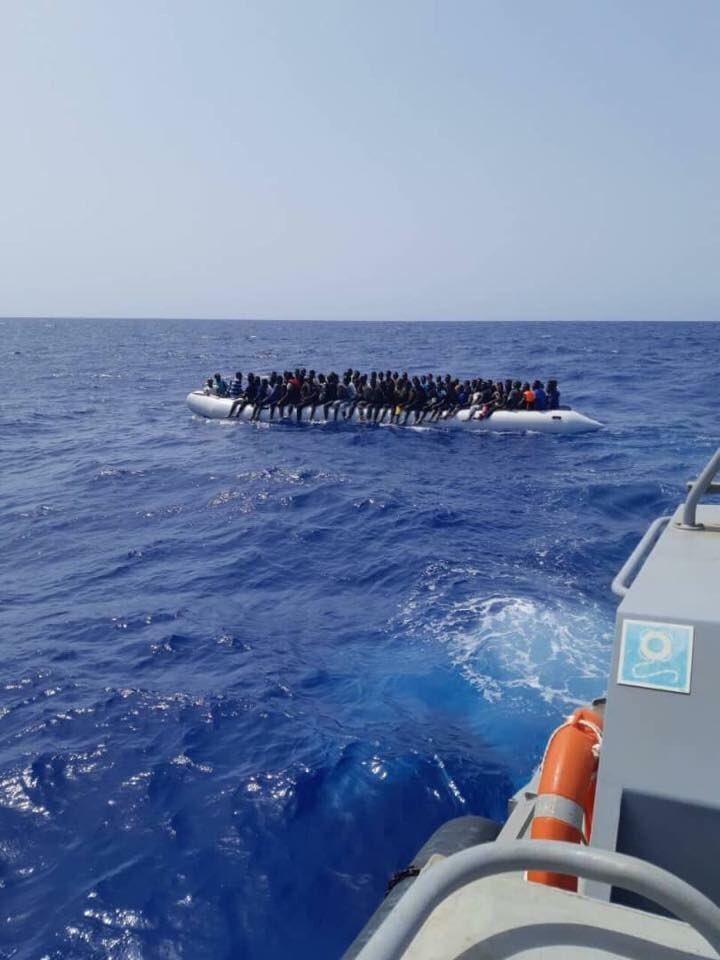 Gommone con 156 immigrati soccorso dalla Guardia Costiera Libica e riportato a terra. Grazie, bene così, mafiosi e scafisti si rassegnino, li combatteremo con tutte le forze. Meno partenze, meno morti, più sicurezza per tutti.
