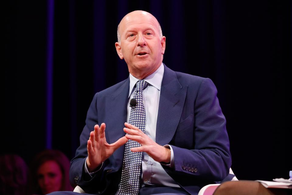 Goldman Sachs' new CEO David Solomon is looking into adding bitcoin and crypto to its portfolio https://t.co/Ua4JkxHxRu
